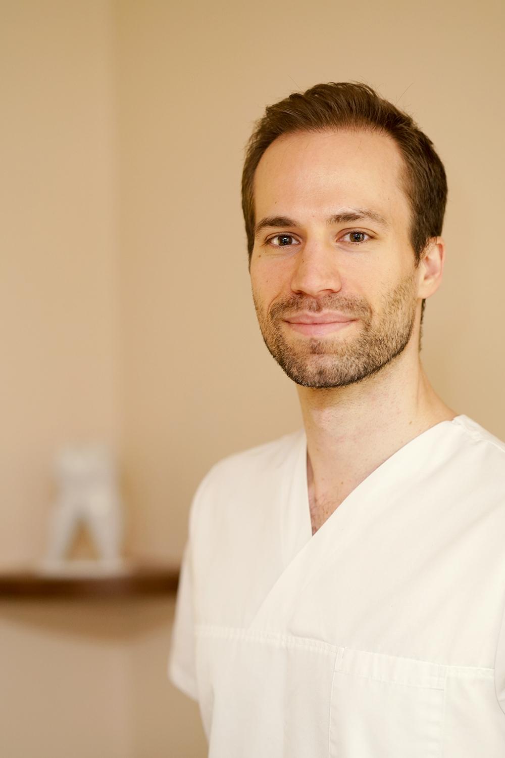 Dr. Mattias Hangl